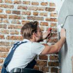 Elektriker Kristianstad jobbar med en elinstallation
