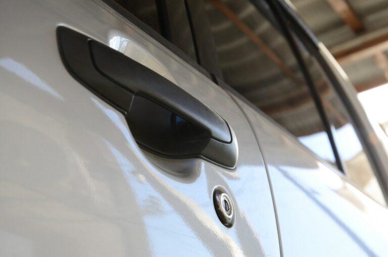 Låssmed till bil i Skåne - Jour låssmed till öppning av bil - Vi öppnar bilar bl.a i Kristianstad, Malmö, Lund, Höör, Hörby - Ring din låssmed til bil