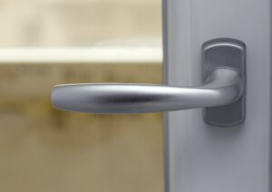 Vad kostar en ny lås, läs lite här om ny lås pris, monterat av låssmed.